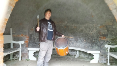 Taking the drum into nice sounding spaces
